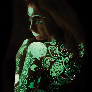 Glow in the dark make-up